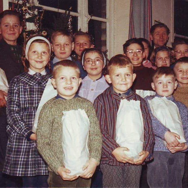 0034 - Ecole polonaise : FIUTOWSKI Freddy ; BUJANOWSKI Marek ; FIUTOWSKI Marie-Françoise ; Mr KARASINSKI ; …..