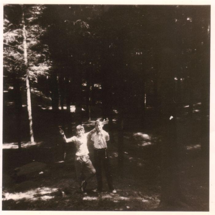 0035 - COMBLAIN-LA-TOUR – Quelque part dans les bois : FIUTOWSKI Freddy ; KONARSKI Janek