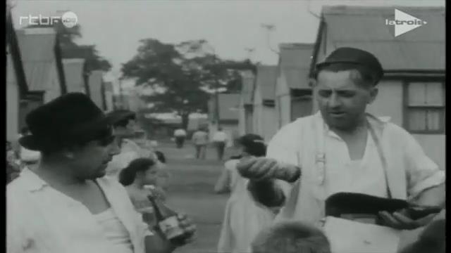0061 : BORINAGE – dans les années 1950 – Extrait du film de Paul Meyer : « Déjà s'envole la fleur maigre » : Pan Jan