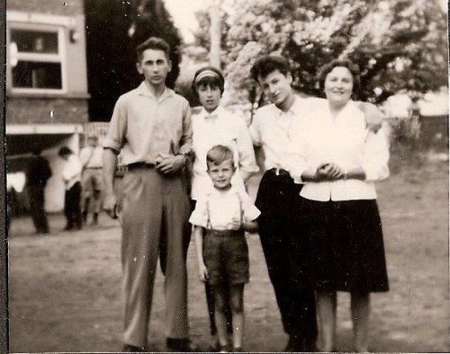 0068 - COMBLAIN-LA-TOUR : la famille Bardo