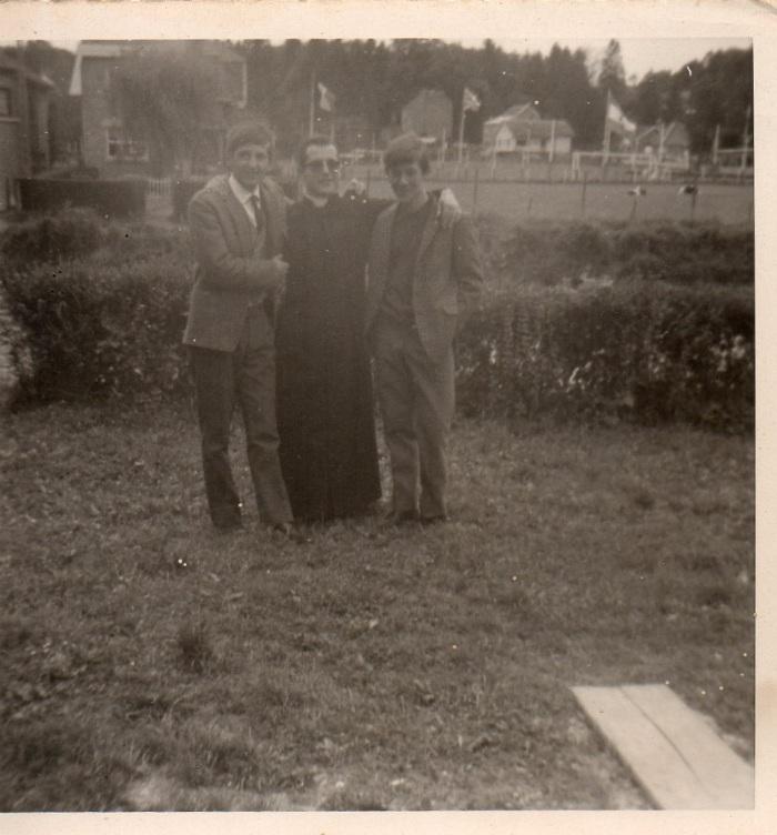 0084_1966 :-COMBLAIN-LA-TOUR – Devant l'Ourthe : Provisoirement : ( ? ) ; ( ? ) ; ( ? )