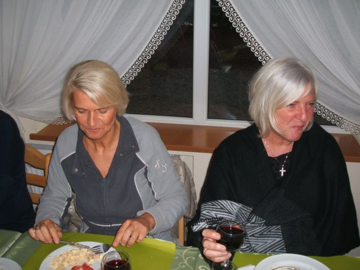 0148_2015 COMBLAIN-LA-TOUR : Retrouvailles des 26 et 27 septembre : Monique Paluszkiewicz ; Fabienne Laffut