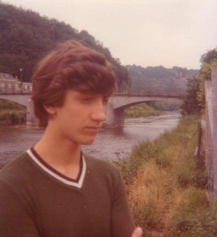 0162_1977 : COMBLAIN-LA-TOUR : Devant l'Ourthe : Michel Pietka