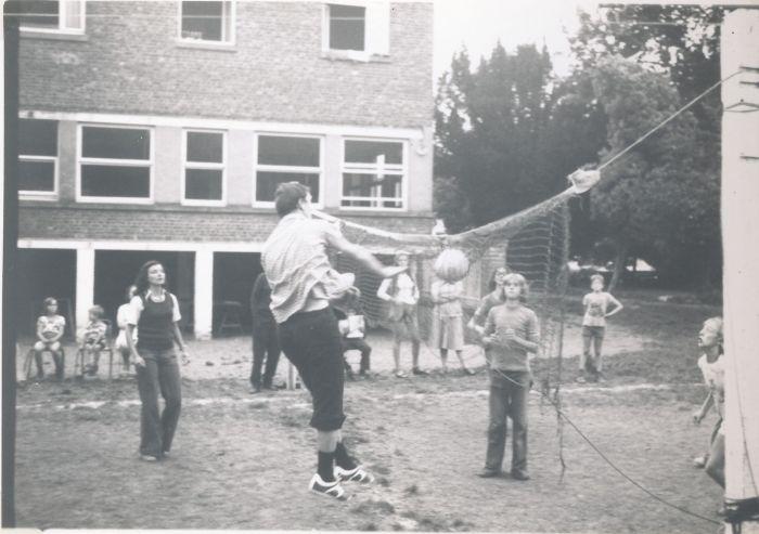 0897_1975